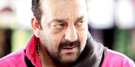 रिहाई के बाद संजय दत्त ने किया तिरंगे को सलाम