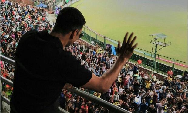 Akshay kumar in Stadium