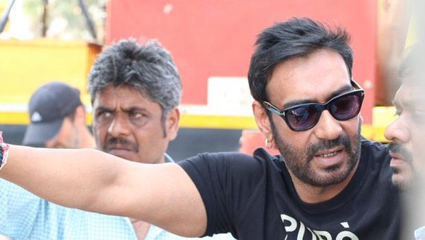 हजार शब्दों के बराबर अजय देवगन की नयी फोटो, देखी क्या ?