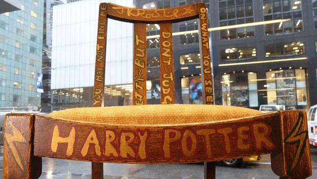 'हैरी पॉटर' कुर्सी करीब 4,00,000 डॉलर में नीलाम