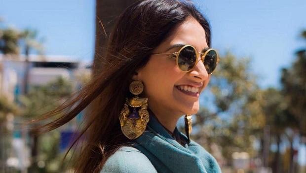 अनुष्का शर्मा की तरह चुपचाप शादी करने के मूड में सोनम कपूर!