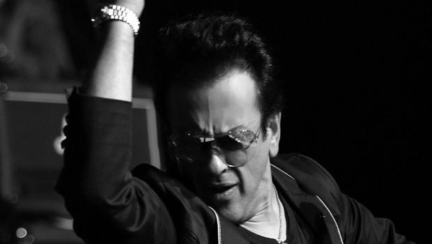 गायक अदनान सामी की प्रतिक्रिया पढ़कर लाल पीले हुए पाकिस्तानी