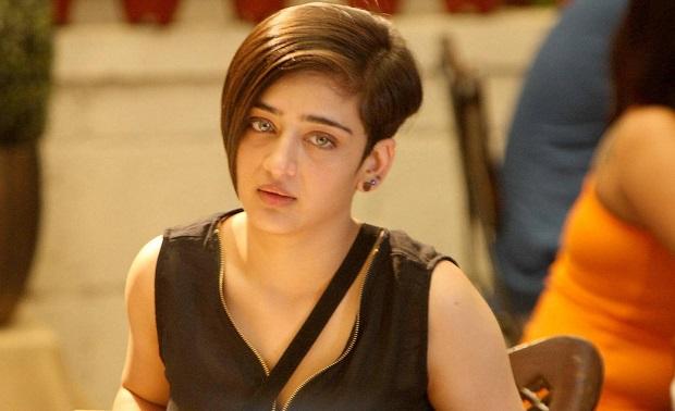 अजित के साथ अगली फिल्म में नजर आएंगीं अक्षरा हसन