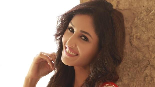 आउच अभिनेत्री पूजा चोपड़ा चाहती हैं सिल्वर स्क्रीन पर वापसी!