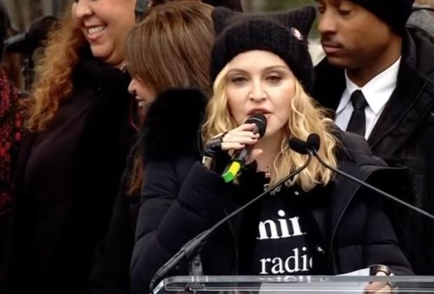 डोनाल्ड ट्रंप के खिलाफ गायिका मैडोना का शक्ति प्रदर्शन