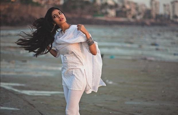मालविका मोहनन से मिलिये, इसके हाथ लगी दीपिका पादुकोण की फिल्म!