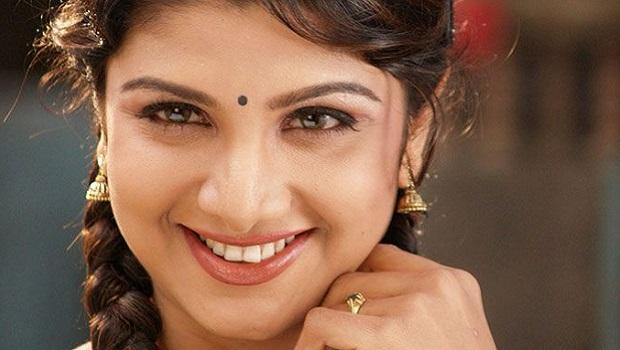 सेक्सी सायरन रंभा का वैवाहिक जीवन टूटने से बचा