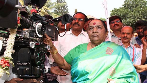 सफल कन्नड़ फिल्म निर्माता परवथम्मा राजकुमार का देहांत