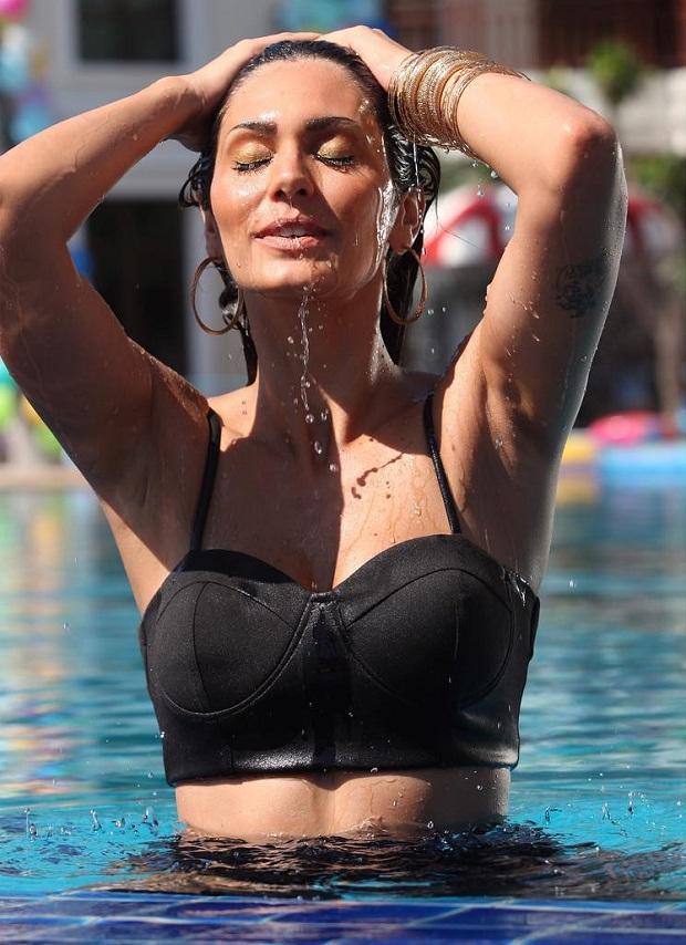 अभिनेत्री और मॉडल ब्रुना अब्दुल्लाह ने शेयर की टॉपलेस बोल्ड फोटो