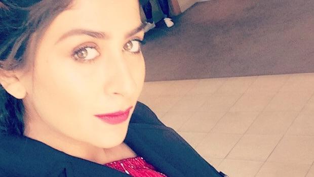 कैप्टन नवाब में इमरान हाशमी से रोमांस करेंगी मालविका राज