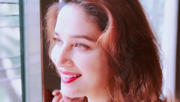 मराठी फिल्म सिने प्रेमियों की धड़कन बढ़ाने आ रही हैं माधुरी दीक्षित!