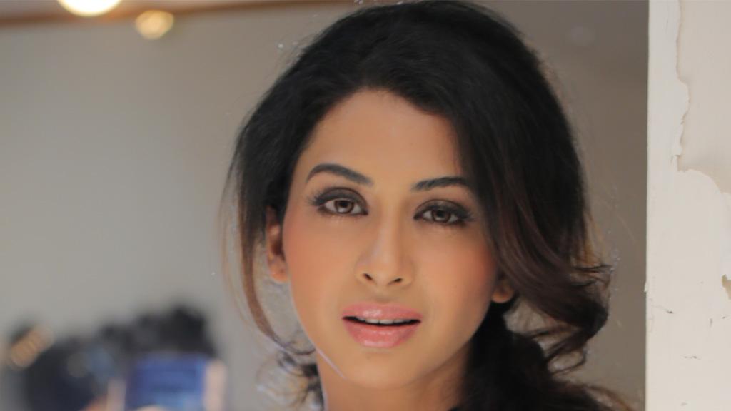 अजय देवगन के साथ रेड से बॉलीवुड डेब्यु करेंगी गायत्री अय्यर