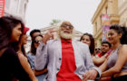 फिल्म 102 नॉट आउट का नया गाना बडुम्बा रिलीज, अमित ऋषि की मजेदार युगलबंदी